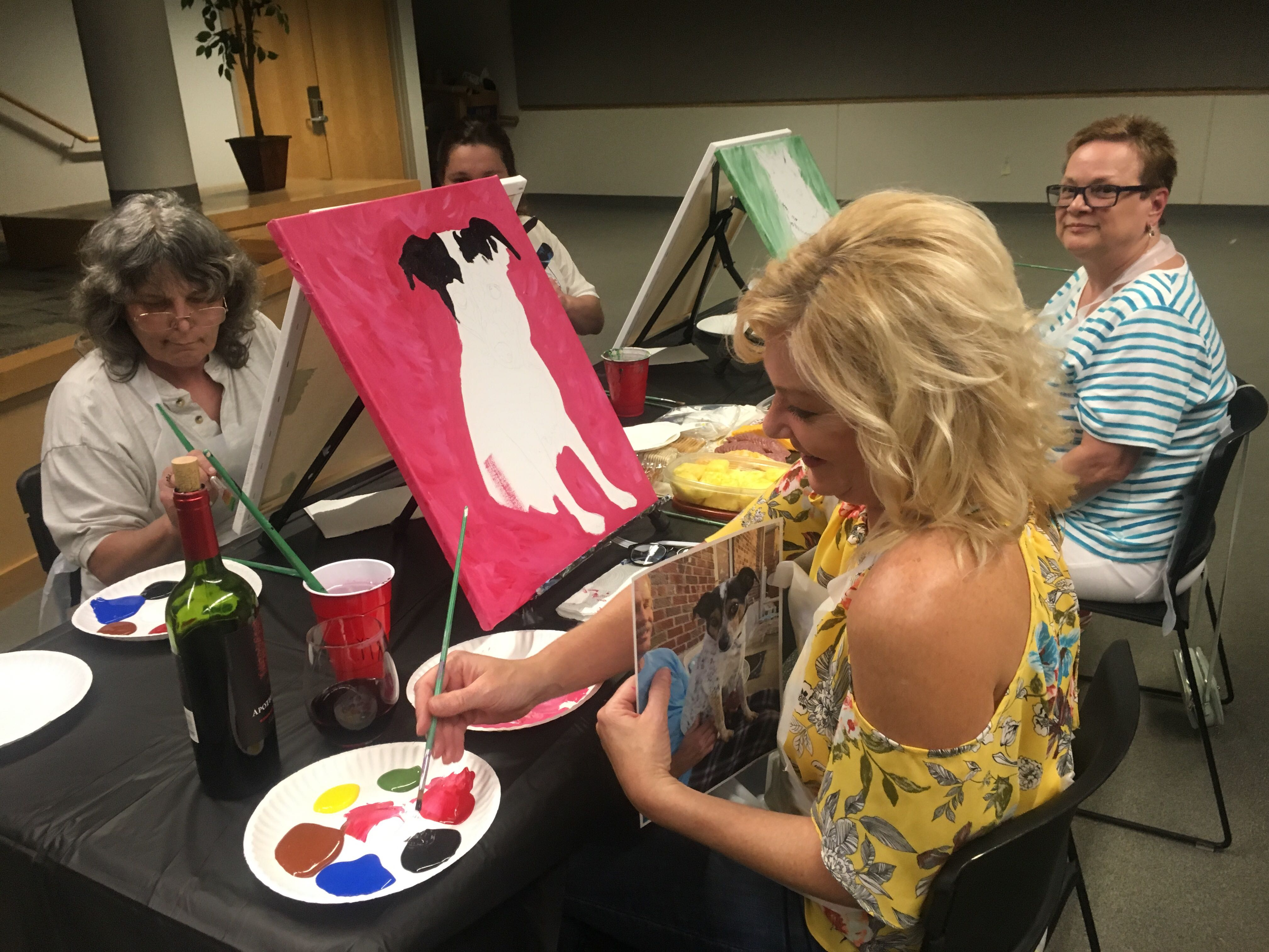 """Paint Your Pet"" helps brighten Humane Society's future"