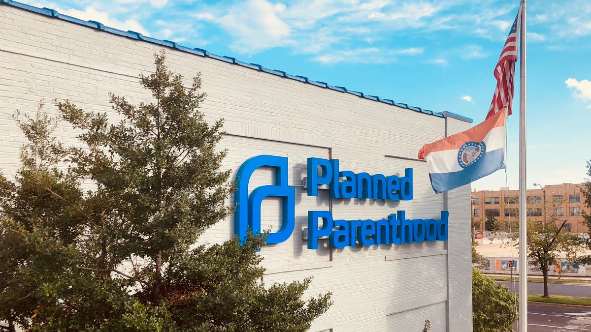 Abortions can continue at Planned Parenthood clinic as fight continues