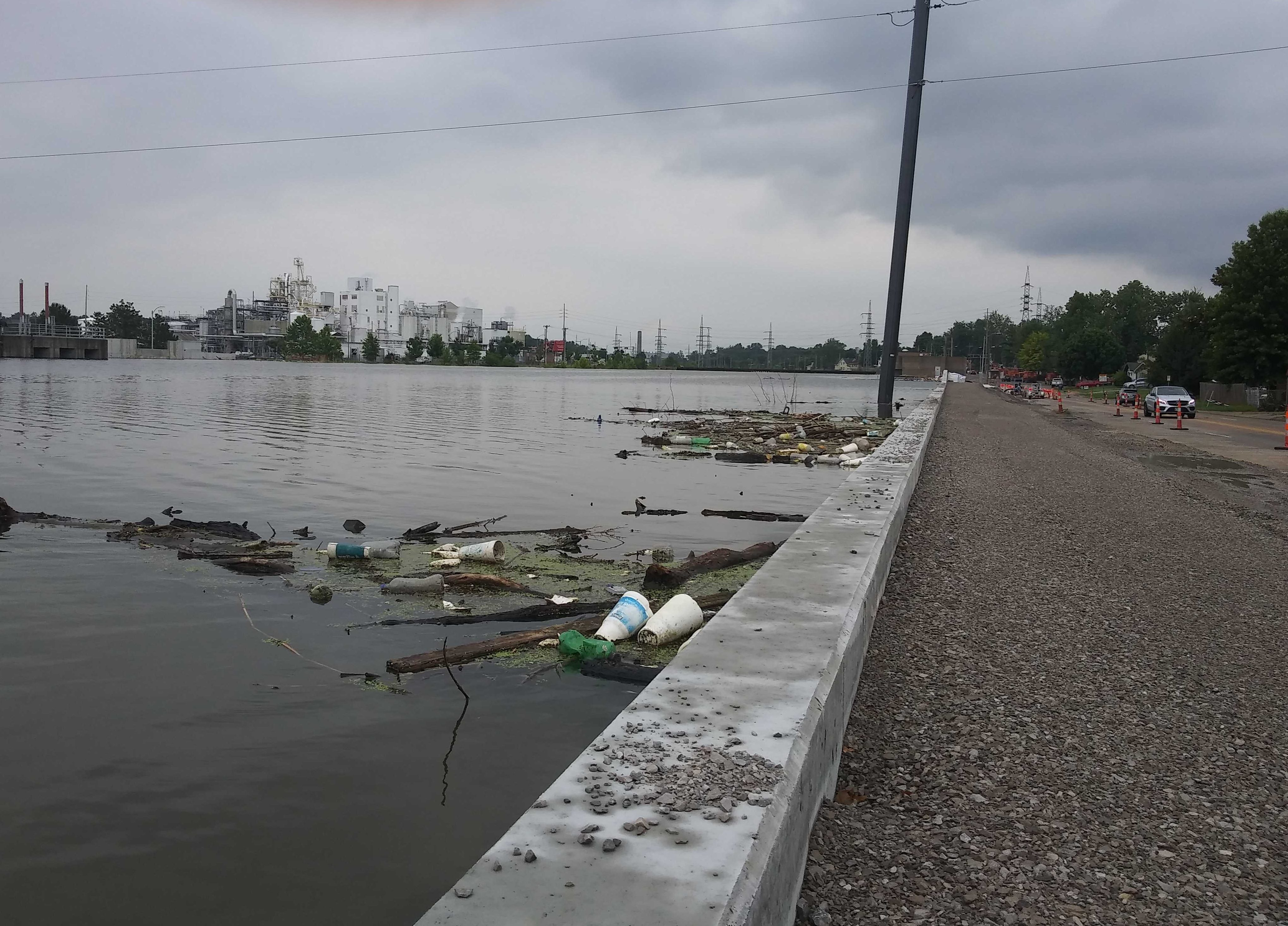 Little damage in city from River des Peres' cresting