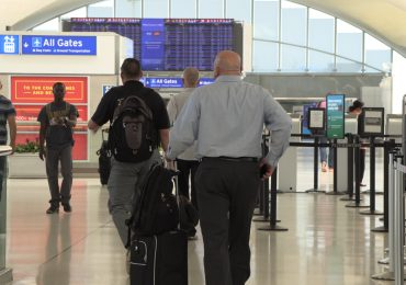 The polarizing debate over privatizing Lambert Airport