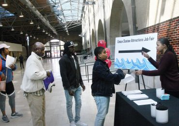 St. Louis Aquarium hosts first job fair ahead of grand opening