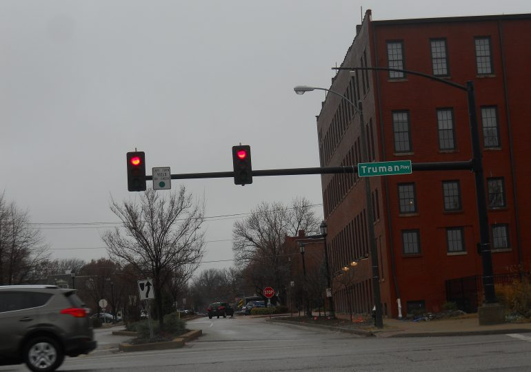 St. Louis mulls returning red light cameras to city streets