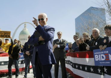 Trump lags Biden on people of color in top campaign ranks