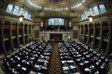 Top bills OK'd by Missouri lawmakers as session ends