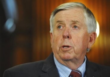 Voter advocates urge Parson to extend mail-in option