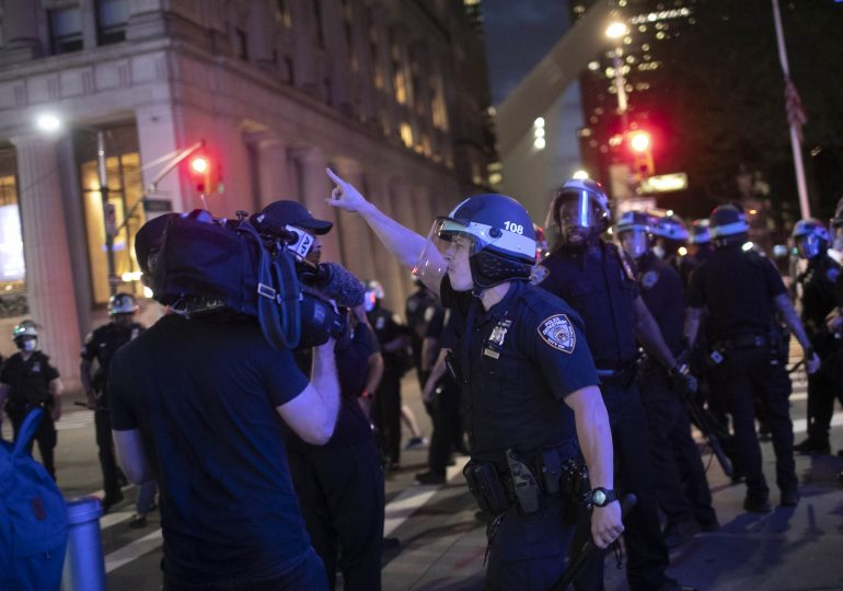 U.S. police 'woefully undertrained' on using force, experts say